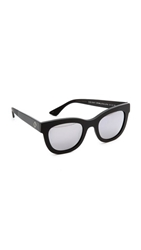 Wonderland Colony Sunglasses Black Silver Mirror