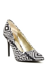 Carlos By Carlos Santana Posy Pump Black