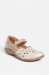 Naot Footwear 'Toatoa' Flat Dusty Silver Linen Leather
