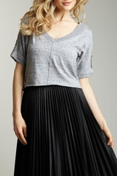 Qi Cropped V Neck Sweater Gray