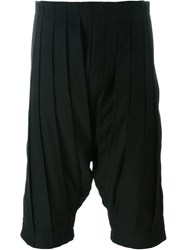 Individual Sentiments Pleated Shorts Black