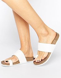 London Rebel Toe Thong Flat Sandals White