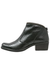 Kanna Kelly Ankle Boots Black