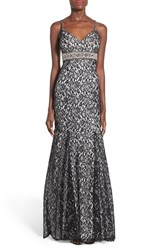 Junior Women's Sequin Hearts 'Mercedes' Metallic Lace Mermaid Gown Black White