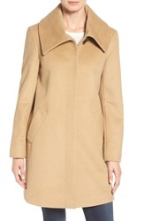 Larry Levine Women's Foldover Collar Walker Coat Camel