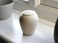 White Tea Container By Shinobu Hashimoto Oen Shop