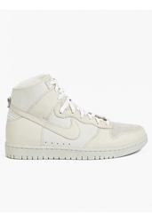 Men's White Dunk Lux Sp Sherpa Hi Top Sneakers