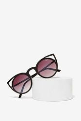 Nasty Gal Quay Invader Shades Black