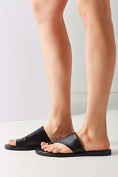 Urban Outfitters Danielle Toe Hold Slide Black