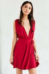 Silence And Noise Silence Noise Plunging Crepe Fit Flare Dress Red