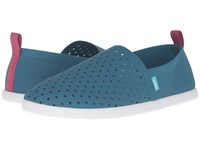 Native Venice Midnight Blue Raspberry Red Shell White Shoes