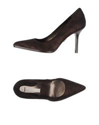 Schumacher Footwear Courts Women