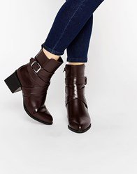 Truffle Collection Block Heel Boots With Wrapover Buckle Bordo Hi Shine Red