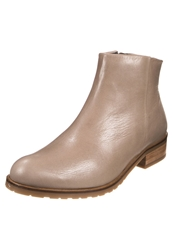 Gardenia Ankle Boots Taupe
