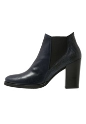 Kanna High Heeled Ankle Boots Marine Black