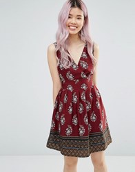 Yumi Border Print Dress With Tie Back Burgundy Red