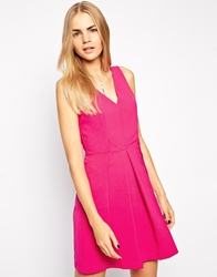 Aryn K Double V Neck Pleated Dress Magenta