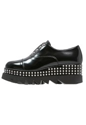 Cult Alice Slipons Black