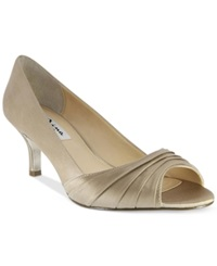 Nina Carolyn Evening Pumps Women's Shoes Champagne