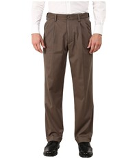 Dockers Comfort Khaki Stretch Relaxed Fit Pleated Dark Pebble Men's Casual Pants Brown