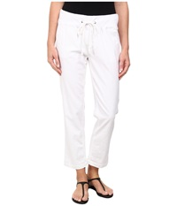 Jag Jeans Petal Relaxed Slim Fit Capri In Gatsby Linen White Women's Capri