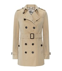 Burberry London The Sandringham Short Heritage Trench Coat Female