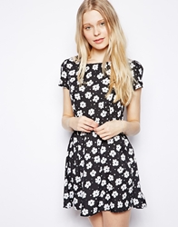 Yumi Skater Dress In Daisy Print Black