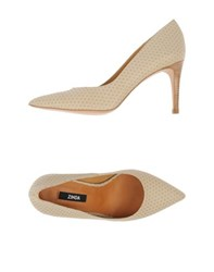 Zinda Footwear Courts Women