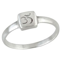 Satya Jewelry Stackable Ring Om Silver