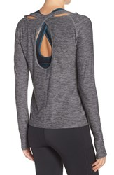 Under Armour Women's Swing Tee Carbon Heather Gray Area