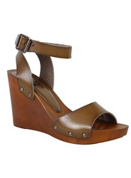 Betsy Wooden Wedges Medium Brown