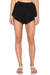Indah Bee Flat Pleat Short Black