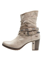 Mustang Cowboy Biker Boots Ivory Off White