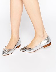 Park Lane Cut Out Point Flat Shoes Silver