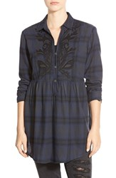 Junior Women's Sun And Shadow Embroidered Plaid Tunic