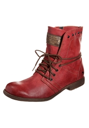 Mustang Laceup Boots Rot Red