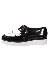 Cult Skid Row Slipons Black White