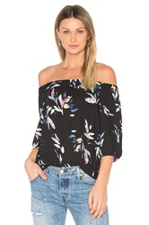 1.State Knot Sleeve Top Black