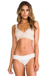 Hanky Panky Signature Lace Crossover Bralette Cream