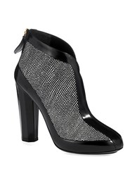 Aperlai The V Booties Black White