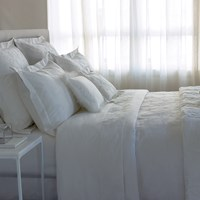 Yves Delorme Swan Milk Duvet Cover King
