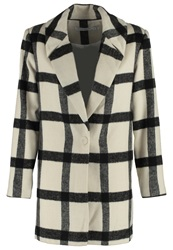 Finders Keepers Vacate Classic Coat Light Check White