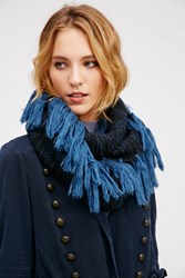 Verloop Womens Tapestry Fringe Loop
