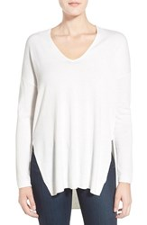 Trouve Women's Trouve V Neck Tunic Sweater White Snow