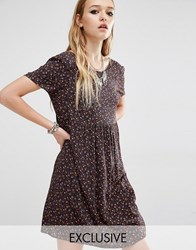 Reclaimed Vintage Short Sleeve Smock Dress In 90S Ditsy Floral Black