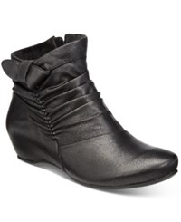 Bare Traps Sakari Hidden Wedge Booties Women's Shoes Black