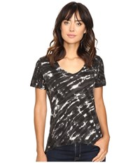 The Beginning Of Olivia V Neck High Low Tee Black 1 Women's Short Sleeve Pullover