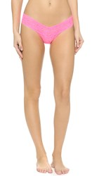 Hanky Panky Signature Lace Low Rise Thong Sizzle Pink