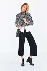 Silence And Noise Silence Noise Cropped Wide Leg Pant Black