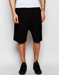 Izzue Shorts In Pinstripe Black